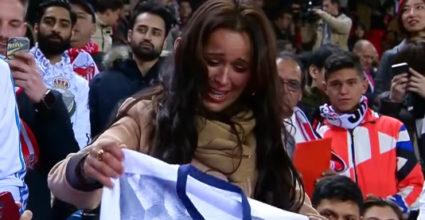Sergio Ramos Sevilla Fan llora weint