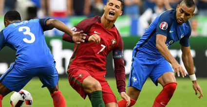 Cristiano Ronaldo Dimitri Payet Europameisterschaft 2016 Finale Portugal Frankreich