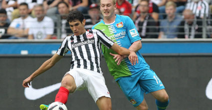 Frankfurt's Spanish defender Jesus Vallejo (L) and Leverkusen's midfielder Julian Brandt vie for the ball during the German first division Bundesliga football match of Eintracht Frankfurt vs Bayer 04 Leverkusen in Frankfurt am Main, western Germany, on September 17, 2016. / AFP / DANIEL ROLAND / RESTRICTIONS: DURING MATCH TIME: DFL RULES TO LIMIT THE ONLINE USAGE TO 15 PICTURES PER MATCH AND FORBID IMAGE SEQUENCES TO SIMULATE VIDEO. == RESTRICTED TO EDITORIAL USE == FOR FURTHER QUERIES PLEASE CONTACT DFL DIRECTLY AT + 49 69 650050         (Photo credit should read DANIEL ROLAND/AFP/Getty Images)