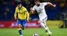 LAS PALMAS, SPAIN - SEPTEMBER 24:  Nacho Fernandez of Real Madrid CF competes for the ball with Vicente Gomez of UD Las Palmas during the La Liga match between UD Las Palmas and Real Madrid CF on September 24, 2016 in Las Palmas, Spain.  (Photo by David Ramos/Getty Images)