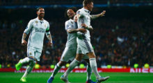 MADRID, SPAIN - FEBRUARY 15:  Toni Kroos of Real Madrid (R) celebrates with Sergio Ramos (L) and Marcelo (C) as he scores their second goal during the UEFA Champions League Round of 16 first leg match between Real Madrid CF and SSC Napoli at Estadio Santiago Bernabeu on February 15, 2017 in Madrid, Spain.  (Photo by Gonzalo Arroyo Moreno/Getty Images)
