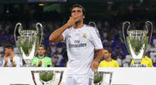MADRID, SPAIN - AUGUST 22:  Raul, the former  Real Madrid player, acknowledges the crowd after the Santiago Bernabeu Trophy match between Real Madrid CF and Al-Sadd at Estadio Santiago Bernabeu on August 22, 2013 in Madrid, Spain.  (Photo by Gonzalo Arroyo Moreno/Getty Images)