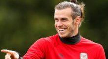 """""""Bale, bist du's?"""" """"Nein, bin Fake"""""""