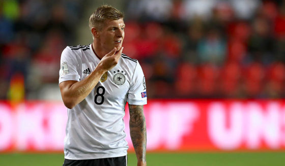 PRAGUE, CZECH REPUBLIC - SEPTEMBER 01: Toni Kroos of Germany reacts during the FIFA World Cup Russia 2018 Group C Qualifier between Czech Republic and Germany at Eden Arena on September 1, 2017 in Prague, Czech Republic (Photo by Alexander Hassenstein/Bongarts/Getty Images)