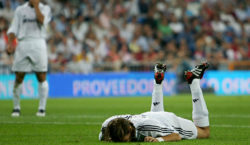MADRID, SPAIN - SEPTEMBER 22:  Jonathan Woodgate of Real Madrid reacts after deflecting the ball into the net for an own goal during a Primera Liga soccer match between Real Madrid and Athletic Bilbao at the Bernabeu on September 22, 2005, in Madrid, Spain.  (Photo by Denis Doyle/Getty Images)