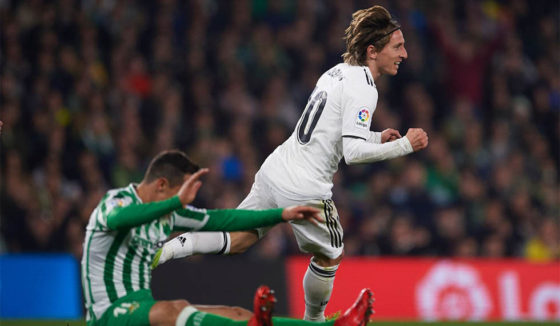 Luka Modric in Real Madrid celebrates after scoring during the La Liga match between Real Betis Balompie and Real Madrid in Estadio Benito Villamarin on January 13, 2019 in Seville, Spain. (Image by Aitor Alcalde / Getty Images)