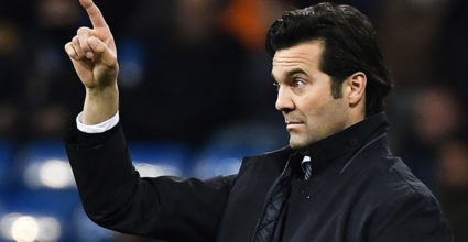 Real Madrid, Real Madrid CF coach against Deportivo Alaves Club at the Santiago Bernabeu stadium in Madrid on February 3, 2019. (Photo by GABRIEL BOUYS / AFP) (GABRIEL BOUYS / AFP / Getty Images reading credit cards)