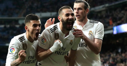 Madrid, Spain - March 31: Karim Benzema of Real Madrid celebrating Dani Ceballos and Gareth Bale after scoring his sides third goal of the match of La Liga between Real Madrid CF and SD Huesca in Sant & # 39 stadium; Yaga Bernabeu in Madrid March 31, 2019, Spain (Photo by Gonzalo Arroyo Moreno / Getty Images)
