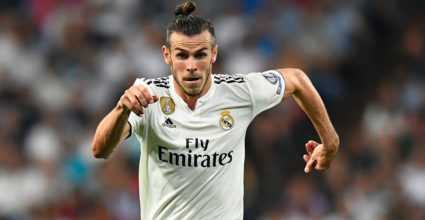 Real Madrid Real Madrid Gareth Bale (L) is leading Roma midfielder Steven Nzonzi during the UEFA Champions League group G football match between Real Madrid CF and Roma at the Santiago Bernabeu Stadium in Madrid on September 19, 2018. Photo by GABRIEL BOUYS / AFP) (credit photo GABRIEL BOUYS / AFP / Getty Images)