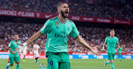 SEVILLE, SPAIN - SEPTEMBER 22: Karim Benzema of Real Madrid CF celebrates scoring a goal during the league match between Sevilla FC and Real Madrid CF at Estadio Ramon Sanchez Pizjuan on September 22, 2019 in Seville, Spain. (Photo by Aitor Alcalde / Getty Images)